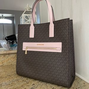 New Mk large tote 💝 limited addition